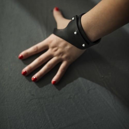 19zero6 bracciale in pelle nera